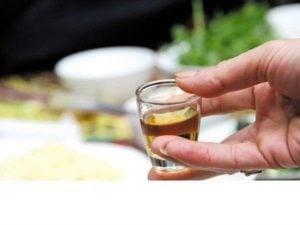 Chia sẻ kinh nghiệm uống rượu đúng cách