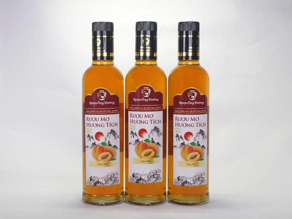 sản phẩm rượu mơ đóng chai thơm ngon