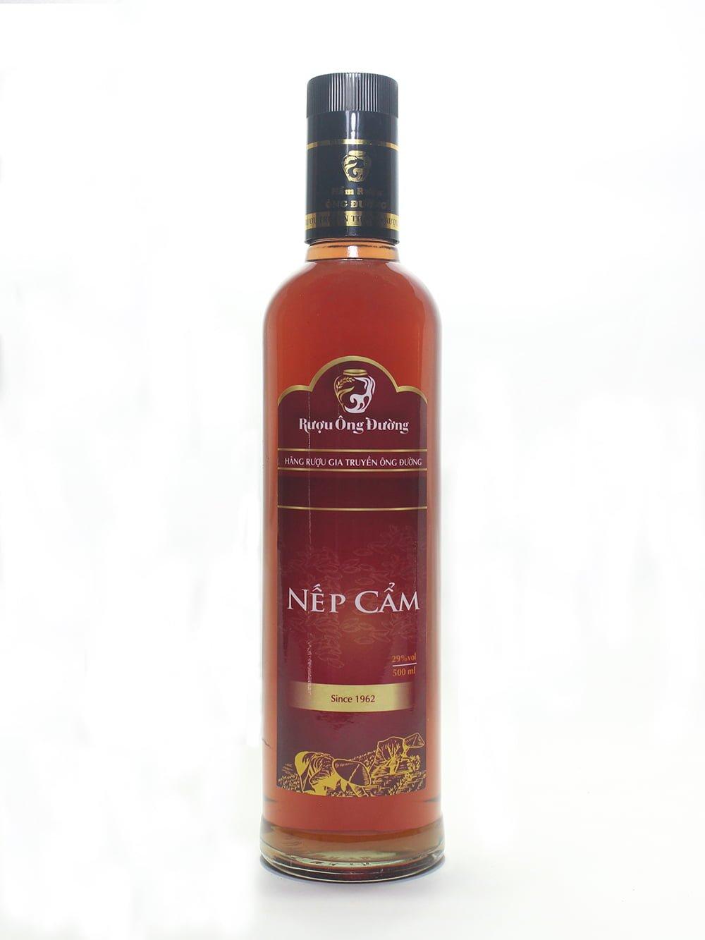 Chai rượu nếp cẩm với thiết kế sang trọng